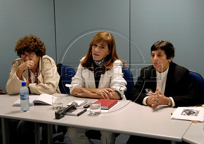 Cecilia Coimbra, left, Alicia Pardies, center, president of ACIE,  Cecilia Coimbra, left, and Victoria Grabois, right, members of Brazilian human rights group 'Tortura nunca mais' participate at a press conference at ACIE (Associacao Correspondentes da Imprensa Extrangeira) Association of Foreign Press Correspondents, Rio de Janeiro, Brazil, July 15, 2009.  (Austral Foto/Renzo Gostoli)
