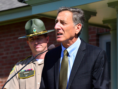 Shumlin visits new State Trooper Barracks - 092016