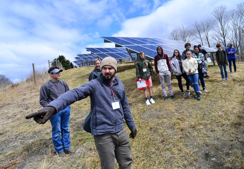 KRISTOPHER RADDER — BRATTLEBORO REFORMER<br /> Josh Hilsdon, from PV Squared, tells students how the solar panels work during the Sophomore Summit at S.I.T. on Wednesday, April 10, 2019.