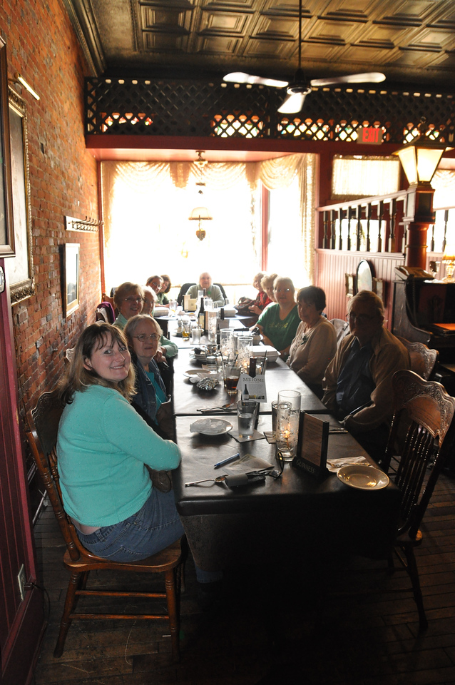 ASHLEY FOX / GAZETTE The Lunch Brunch from Sharon Center United Methodist Church made a stop at the Main Street Cafe on Thursday.
