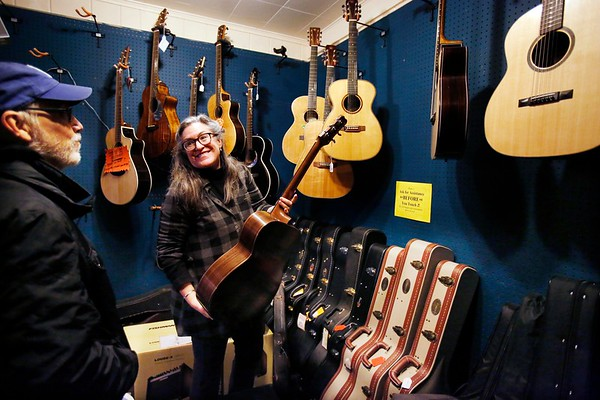 The Music Store in Great Barrington Closes-010417