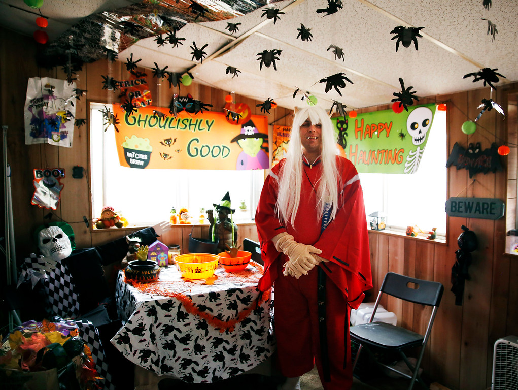 . Jeremy Burdge, A.K.A Inuyasha of of the popular anime cartoon Soul Eater, welcomes you into his lair for lots of candy and promises not to scare.