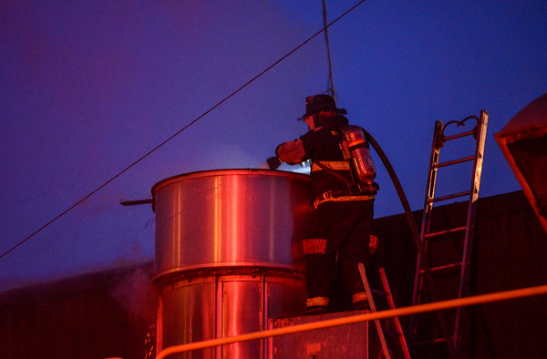 Two-alarm fire in Putney - 012617