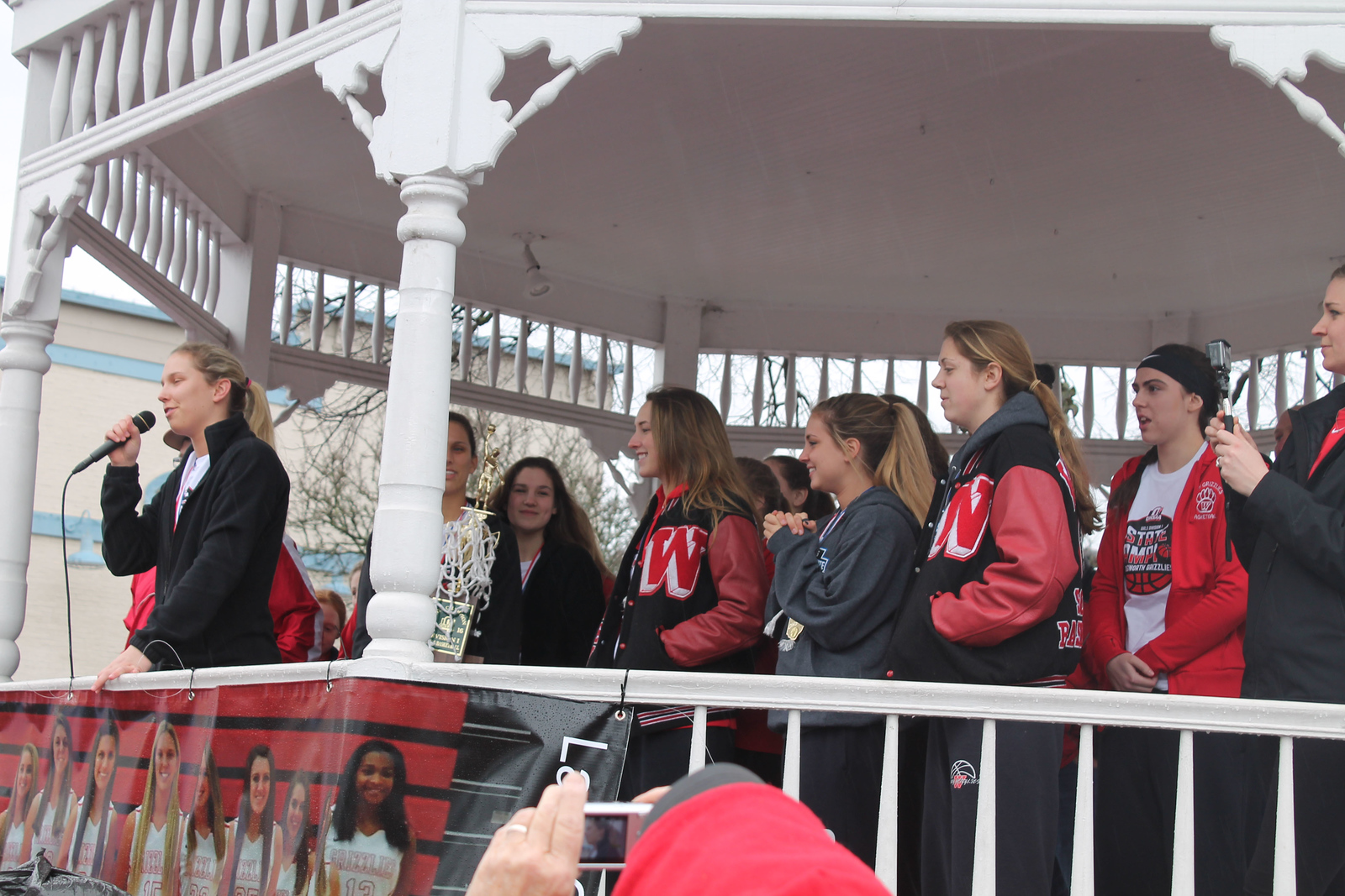 LAWRENCE PANTAGES / GAZETTE Jodi Johnson expressed her thanks to the community for its support of the Wadsworth High School girls basketball team after it returned Sunday afternoon from capturing the state title on Saturday night.