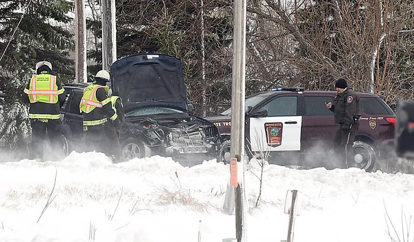 Head on collision closes Highway 22