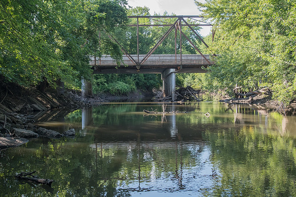 Truss Bridge No. 6527 crosses over the Watonwan River on the outskirts of Madelia. Photo by Jackson Forderer
