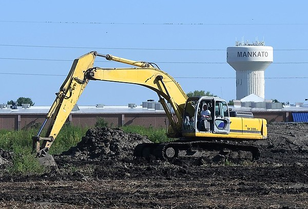 Prairie Winds development construction