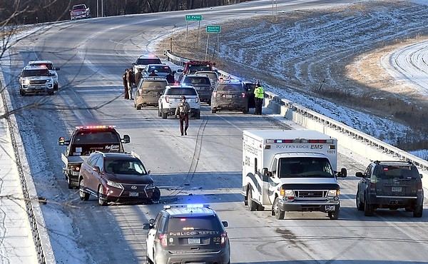 High speed chase ends near St. Peter