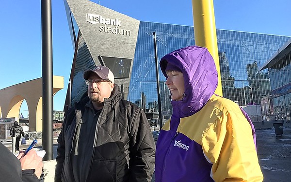 Super Bowl Vikings fans