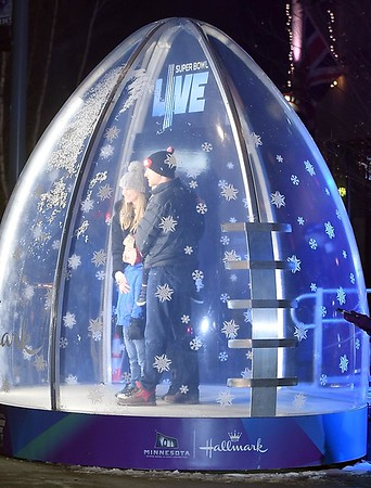Super Bowl Live snow globe