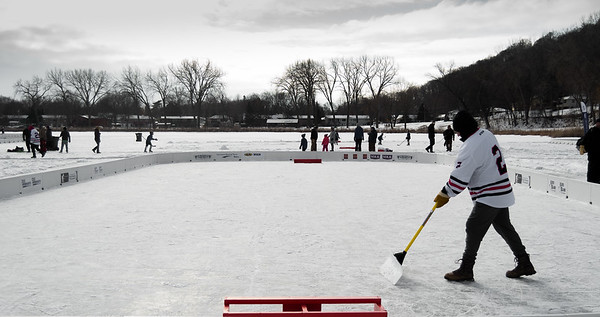 Pond Hockey MAIN