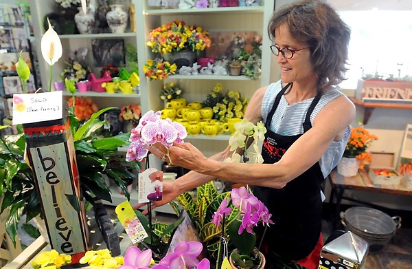 Mary's Flowers closing