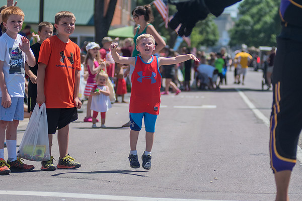 Marvin Oldridge (4) eagerly awaits Stomper the Minnesota State mascot during the Fun Days Parade on Saturday in North Mankato. Photo by Jackson Forderer