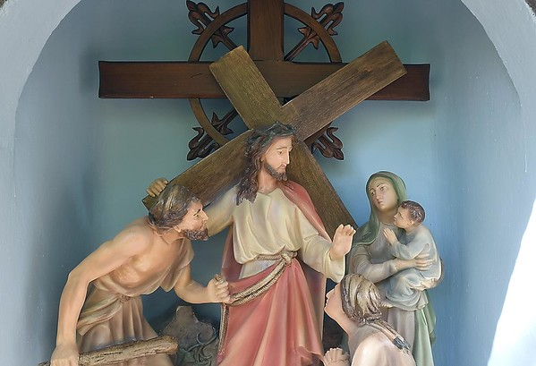 Way of the Cross statues 4