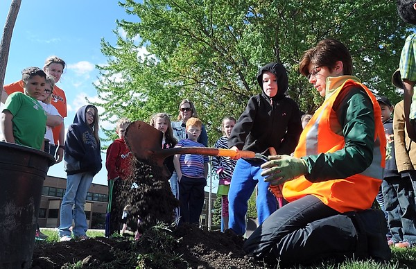 Tree planting at Franklin Elementary 1