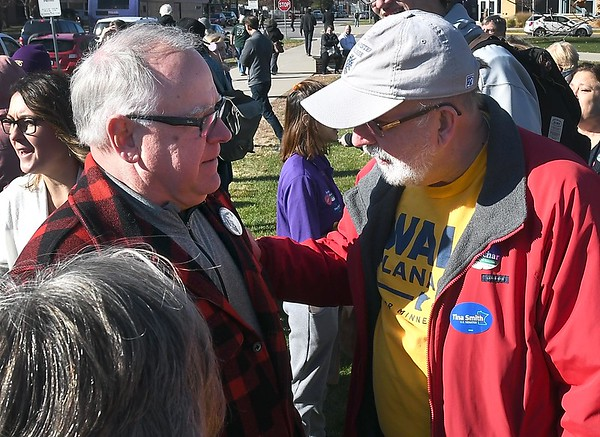 Walz campaigning 3