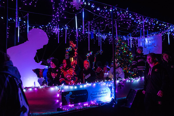 Kiwanis Holiday Lights Parade 11-26 1