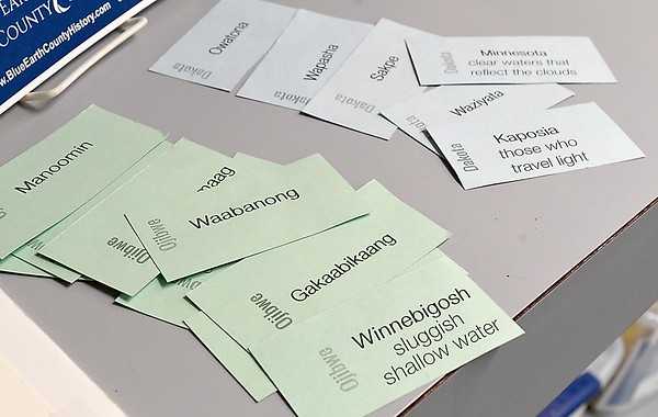 Dakota language flash cards