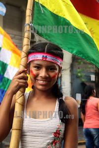 Argentina - Acto 18.11.2019 y festival contra el golpe de estado en Bolivia / Argentinien : Bolivianische Morales - Anhänger demonstrieren in Buenos Aires gegen den die Übergangsregierung - Demonstranten aus Bolivien © Diego Casas/LATINPHOTO.org