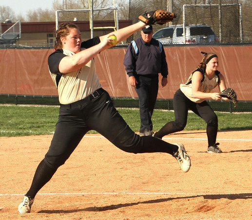 Photo by Chris Martin<br /> Madison Grant's Cierra Liddick pitches against Alexandria on Wednesday