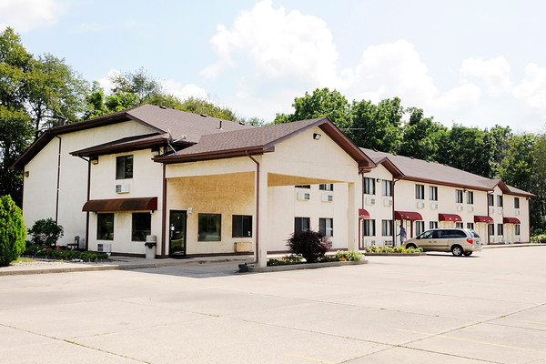Don Knight | The Herald Bulletin A suspect attempted to rob four locations in Daleville and Anderson early Tuesday morning including the Chesterfield Travel Inn at 15701 West Commerce Road.