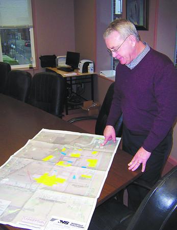 Ken de la Bastide | The Herald Bulletin<br /> Alexandria Mayor Jack Woods explains a proposed 500 acre industrial park north of Alexandria on Wednesday.