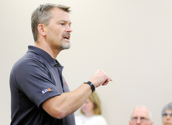 Don Knight   The Herald Bulletin<br /> John Bennett,  a patrol lieutenant with the Charleston Ill. Police Department, teaches Below 100 training to Madison County law enforcement personnel at the Anderson Police Department on Wednesday. The goal of the training is to reduce the number line of duty deaths for officers to below 100 by avoiding preventable deaths. The number has been above 100 since 1944.