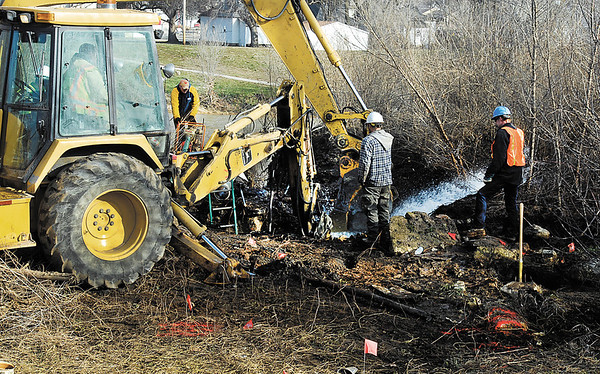 City of Anderson employees continued to work Thursday to repair a main water line leak that began Wednesday afternoon around 3 p. m. along White River near the Indian Trail Parkway and the Wheeler Ave. Water Department facility.