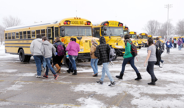 Don Knight / The Herald Bulletin<br /> Students load onto busses at Frankton Junior Senior High School at the end of the day on Friday. Frankton-Lapel students will be attending classes on President's Day, with any remaining make-up days scheduled for the end of the school year, set to start on Wednesday, May 28.
