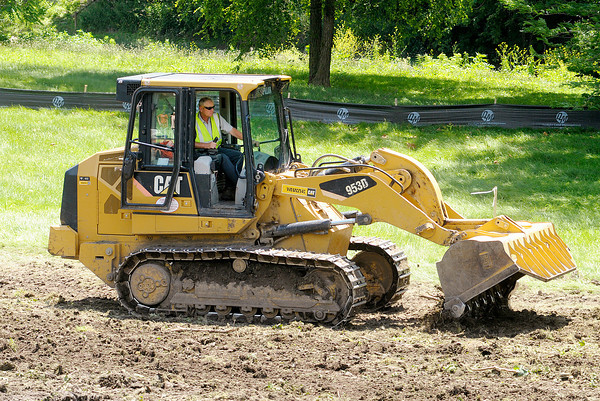 Don Knight/The Herald Bulletin<br /> T&T Construction Enterprises begins construction on levee improvements at Edgewater Park in Anderson.