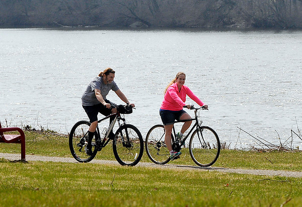 John P. Cleary |  The Herald Bulletin<br /> People out enjoying the warm weather at Shadyside Park.