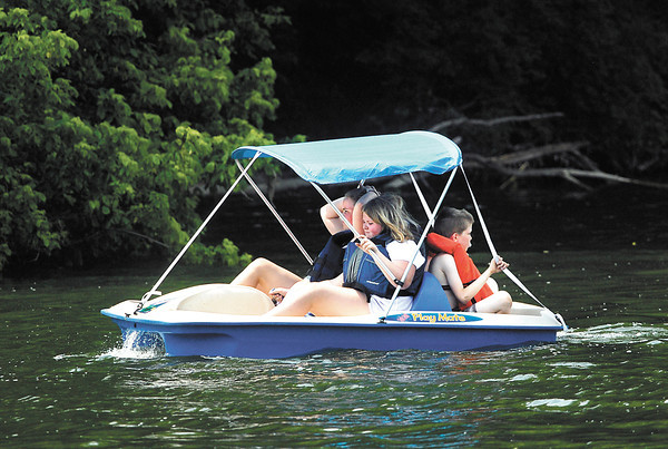 These folks were enjoyed the hot Memorial Day holiday by spending time on the water paddling their way around Shadyside Lake Monday afternoon.