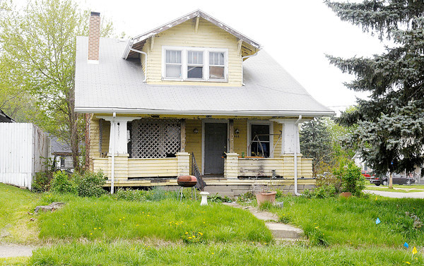 Don Knight | The Herald Bulletin<br /> The Anderson Board of Public Safety voted to demolish this home at 903 Arrow Avenue. To view or buy this photo and other Herald Bulletin photos, visit heraldbulletin.smugmug.com.