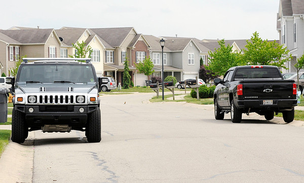 Don Knight   The Herald Bulletin<br /> The Summer Lake Homeowners Association is asking the Madison County Commissioners to pass an ordinance limiting parking to one side of the streets.
