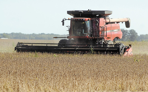 Neese Farms harvests beans south of Elwood along Indiana 128 and County Road 900 West in this Sept. 24 THB file photo.