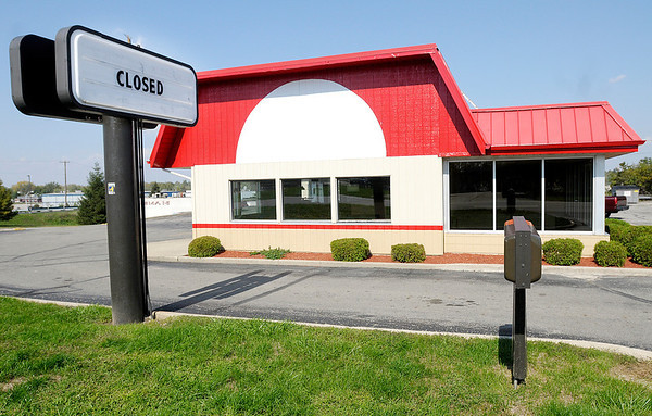 The former Arby's location on Mounds Road next to the Mounds Mall has closed.