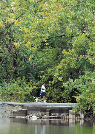 After the rains quit Thursday the weather became more conducive to get out for a jog in the mild temperatures around Shadyside Lake.