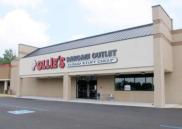 Don Knight/The Herald Bulletin<br /> Ollie's Bargain Outlet will be opening a new location in the River Ridge Plaza. An opening date hasn't been set yet but the store is accepting applications.