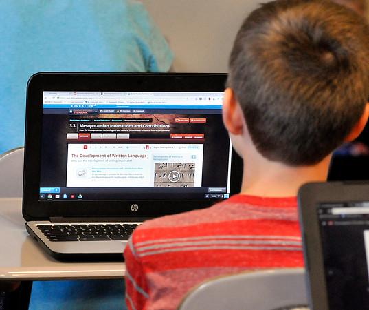 John P. Cleary   The Herald Bulletin<br /> Pendleton Middle School Social Studies teacher Matt Vosburgh's 7th grade class using their laptops in the schools 1:1 technology program.