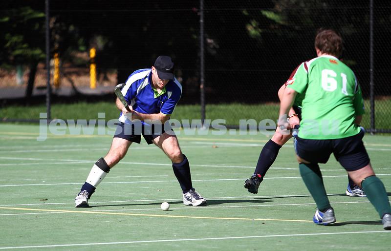 29-4-12. Maccabi Hocky Club v Ballarat. Photo: Peter Haskin