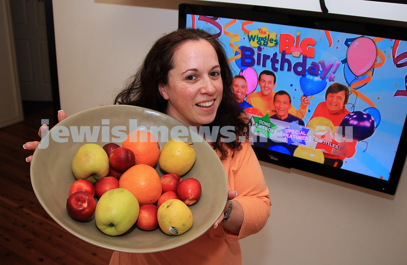 """29-11-11. Tammy Cohen. Winner of the """"5th Wiggle"""" competition in Melbourne. Photo; Peter Haskin"""