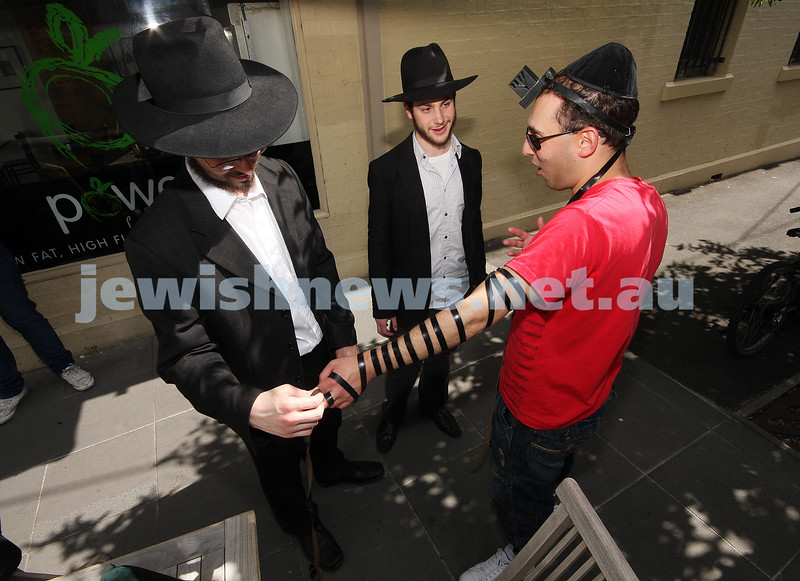 On the road with  Heski from Chabad. Tephilin run on Glenferrie Road. Dan xxxxxx. photo: peter haskin