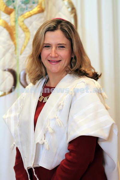 14-9-10. Temple Beth Israel. New associate Rabbi, Rabbi Kim Ettlinger. Photo: Peter Haskin
