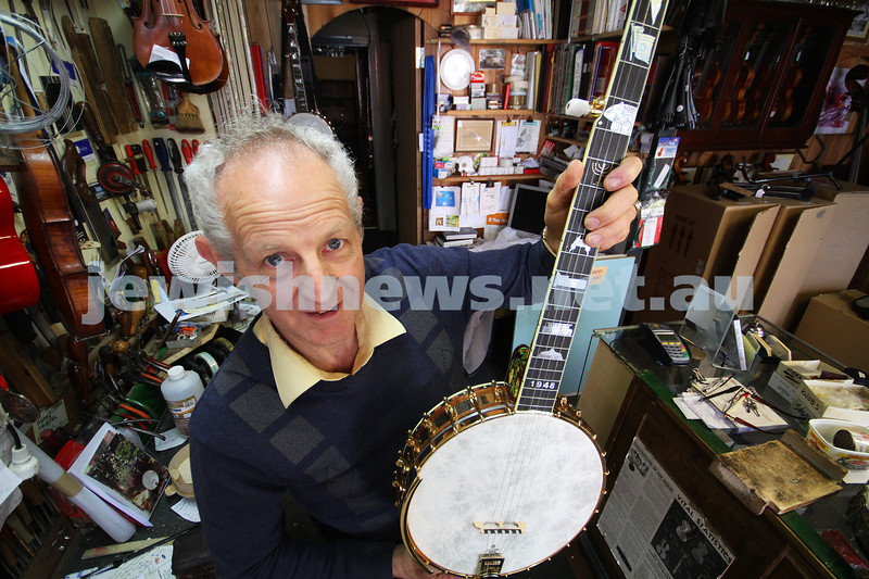 16-11-10. Roger Buckmaster. Hand made banjo as a tribute to the State of Israel. Photo: Peter Haskin