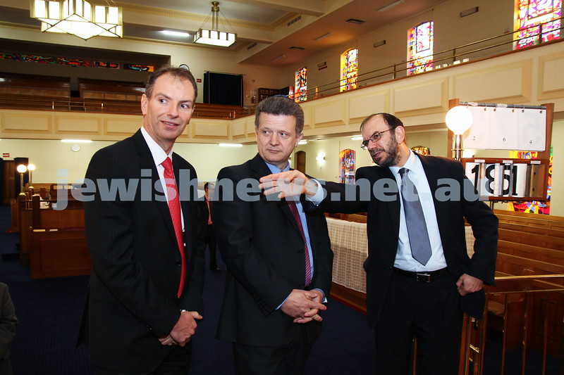 10-8-11. Victorian Minister for Multicultural Affairs and Citizenship Nicolas Kotsaris visits Caulfield Shul. From left: David Southwick, State member for Caulfield, Nicoloas Kotsiras, Rabbi Ralph Genende. Photo: Peter Haskin