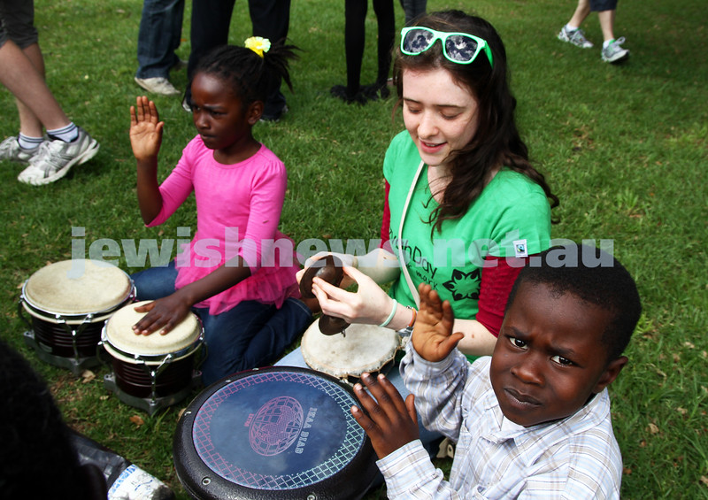 20-11-11. Mitzvah Day around Melbourne. Picnic at Caulfield Park with the Sudanese community. Photo: Peter Haskin