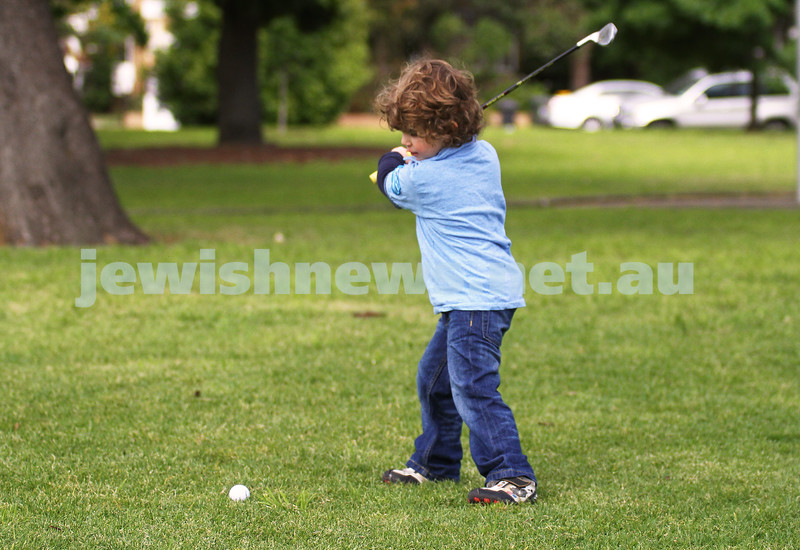 11-10-11. Brodie Silver. 3 yr old golfer. Photo: Peter Haskin
