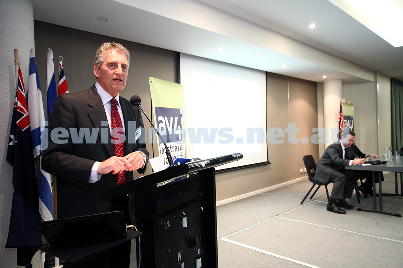 6-9-11. More than 200 people were on hand at the Beth Weizmann Community Centre for the inaugural meeting of the Australian Voices 4 Israel. Guest speaker was Christopher Pyne MP. AV4I, Alan Freedman. Photo: Peter Haskin