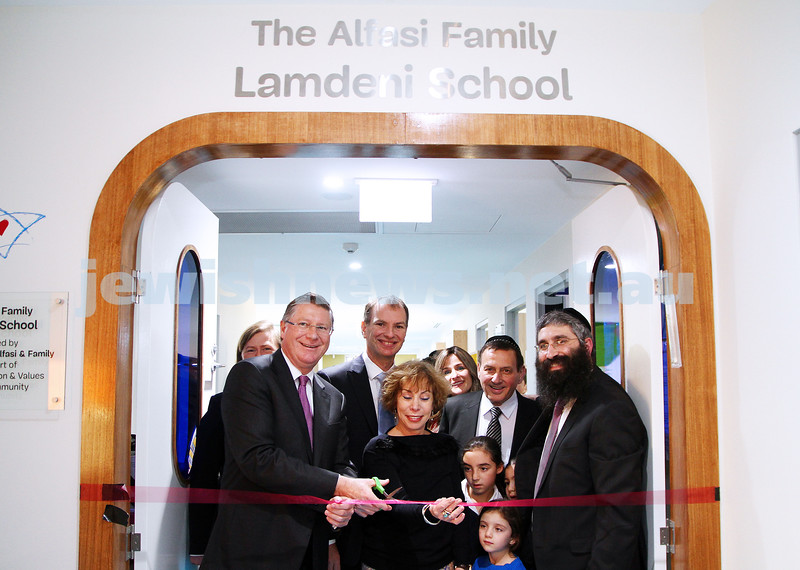 12-8-13. Hamerkaz Centre. Victorian Premier Dr Denis Napthine visits the new Centre to officially open the Lamdeni School. Photo: Peter Haskin