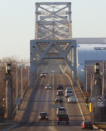 Traffic was light on the Clark Memorial Bridge at 8:30 a.m. Monday morning.  Staff photo by C.E. Branham